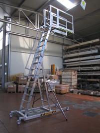 340-scala-telescopica-a-sbalzo-piano-superiore-cm-50x40-1